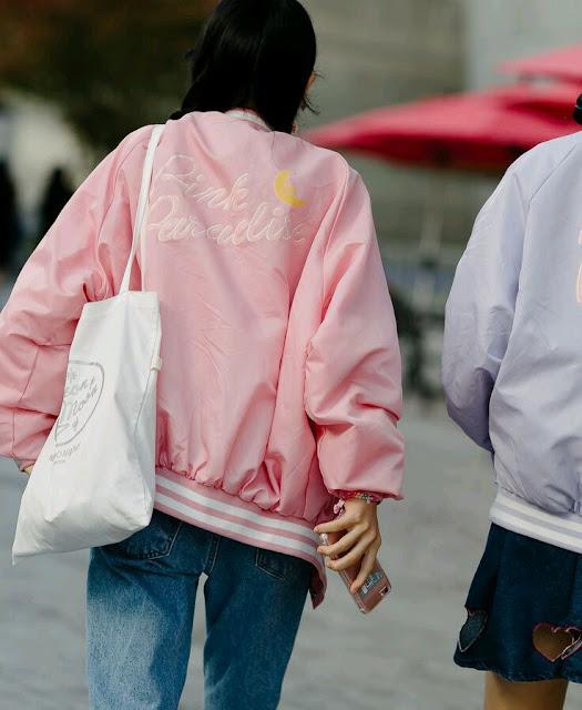 2017, fashion trends, inspiracje, inspirations, moda, modny styl, trendy, trendy 2017, gorset, biżuteria, kolczyki, neony, pudrowy róż, porady stylistki, street style, pastelowy róż