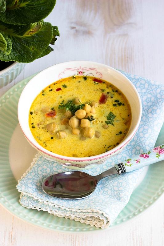 schnelle gesunde kichererbsen suppe mit kokosmilch und vielen gew rzen sasibella. Black Bedroom Furniture Sets. Home Design Ideas