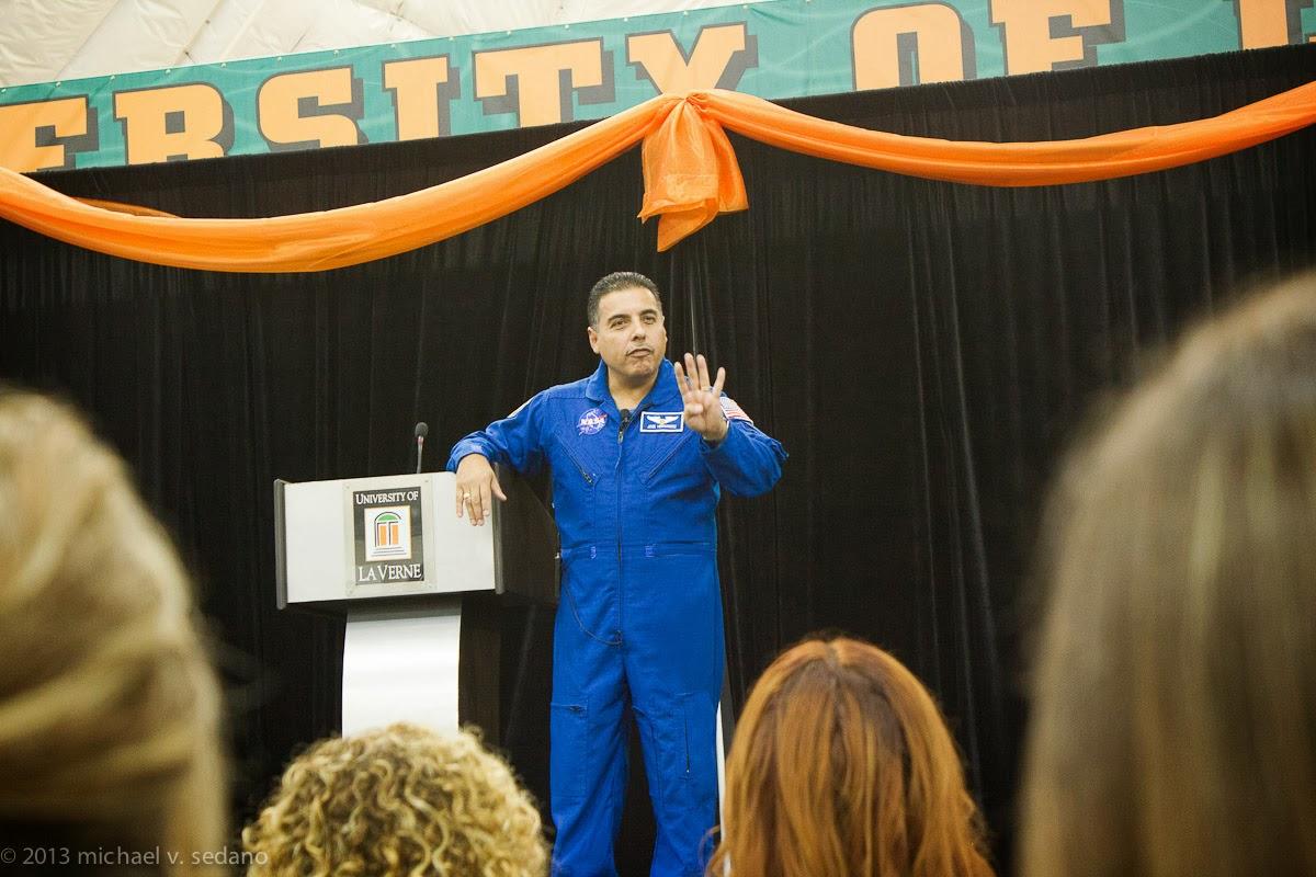 father jose hernandez astronaut - photo #30