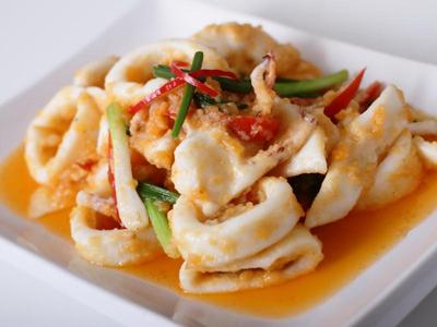 Food for cooking: Stir fry Kai Land and crispy pork
