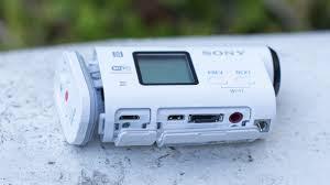 Sony HDR-AS100V cocok untuk fashionista dengan tampilan warna putih bersih