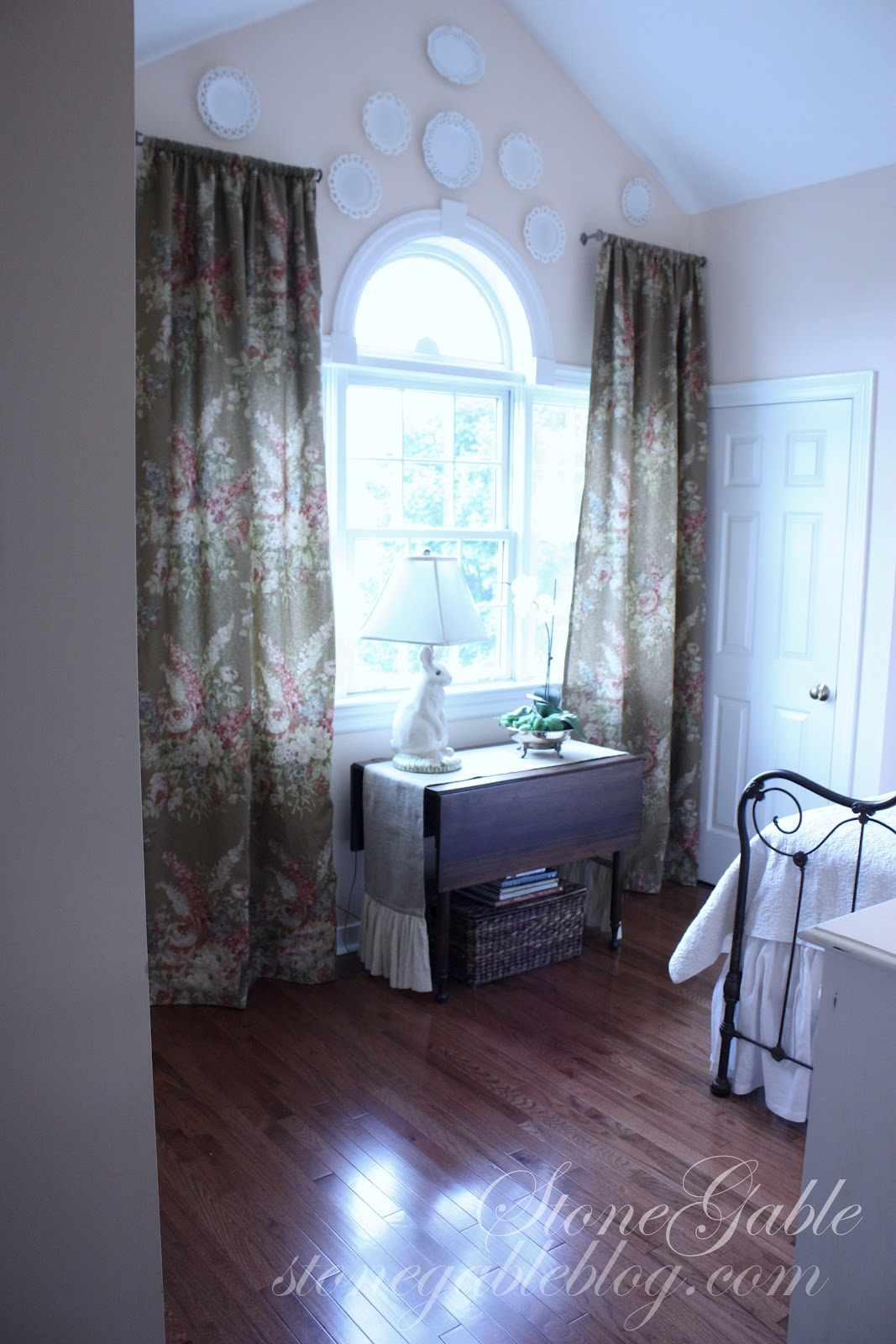 Gable Room Curtains Stonegable
