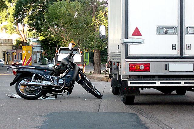Motociclista vai ser indenizado após acidente em Santa Maria de Jetibá