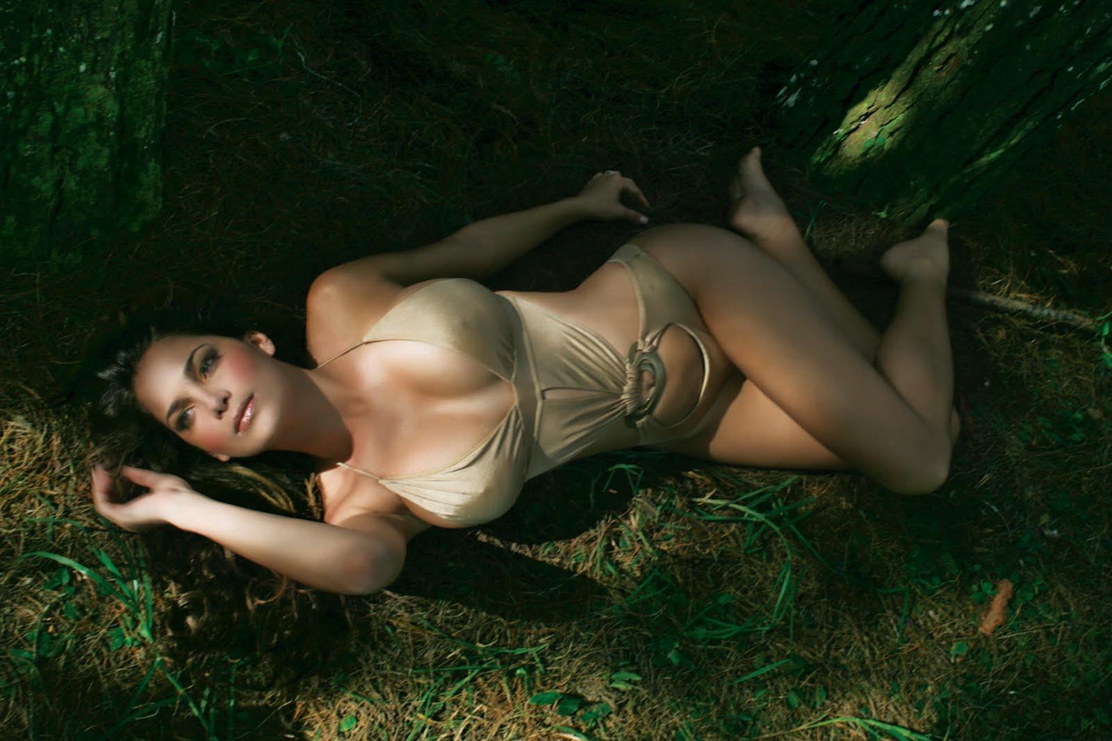 Rapper Eve Nipple Slip nude (67 image)