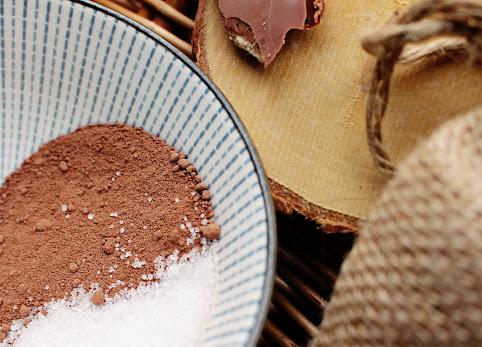 Czekoladowe kosmetyki, czekolada do ciała, czekolada do masażu - mój przepis na słodki, jesienny wieczór łakomczucha.