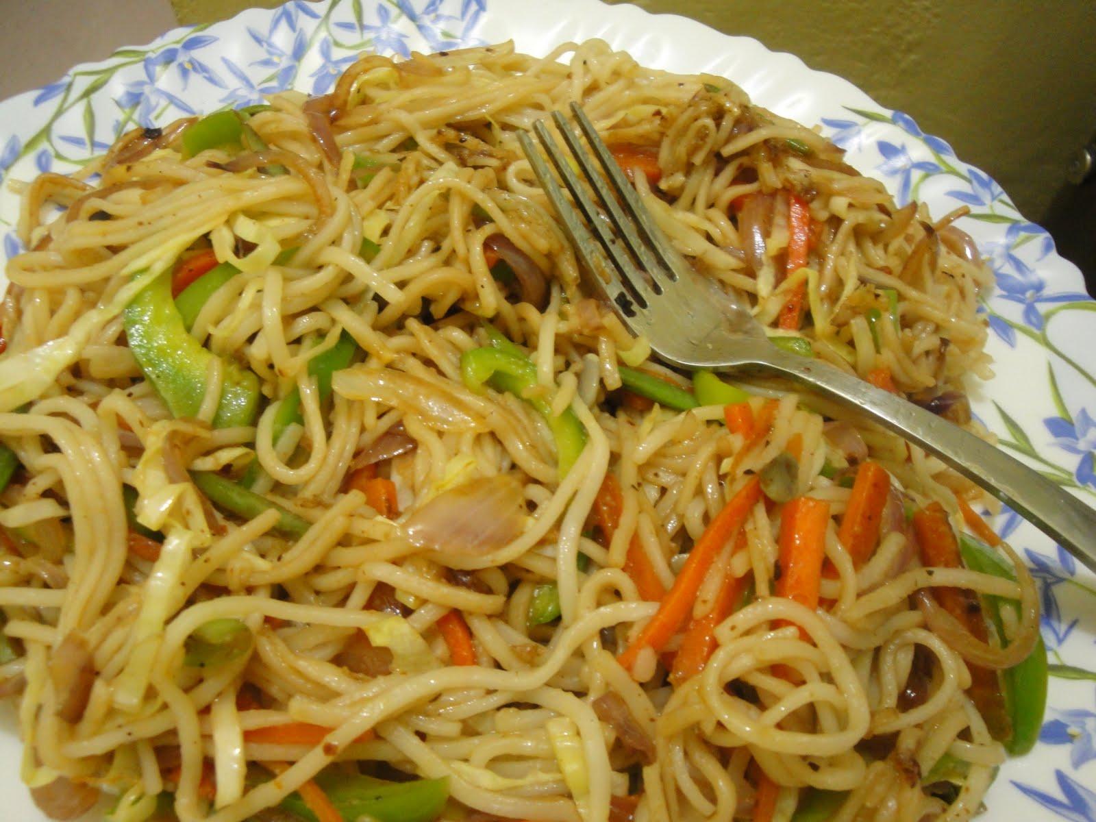 Vaanga samaikkalam: Vegetable Noodles