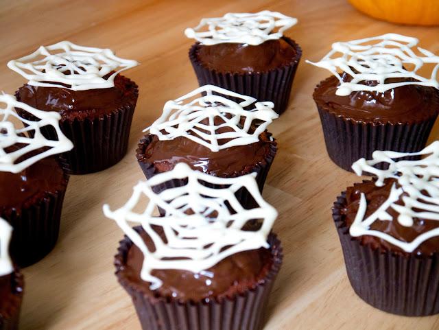 halloween red velvet cupcakes