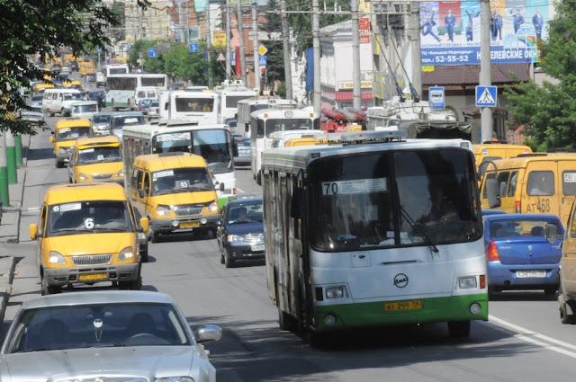 В Уфе 1300 автобусов перевозят людей нелегально