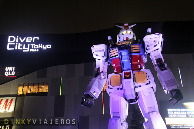 Robot Gundam frente al DiverCity Tokyo Plaza