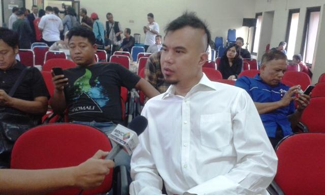 Ahmad Dhani: Harusnya MUI mengHaramkan Ahok masuk mesjid