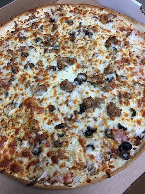 Li'l Rizzo's Italian Restaurant: Happy National Pizza Month!
