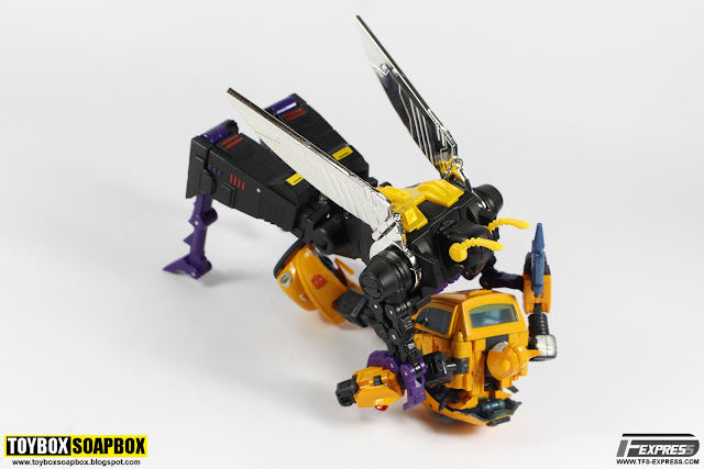 transformers masterpiece bumblebee fanstoys forager