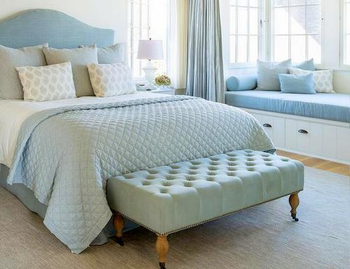 Here S The Clic And Cly Foot Of Bed Bench Tufted Pastel Velvet That Begs You To Sit Down Curvaceous Legs Emphasize Old Fashioned