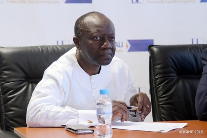 Ghana seeking $750 million loan from StanChart, Standard Bank