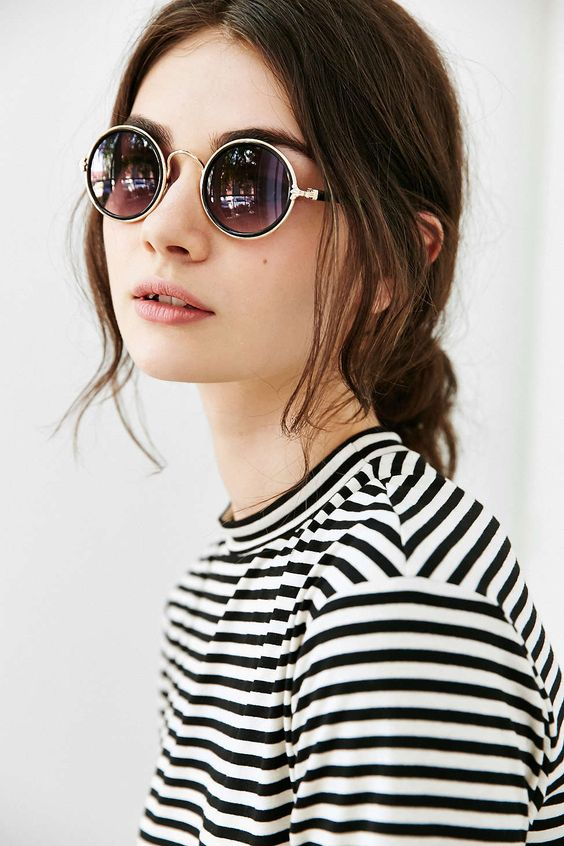 c0b869d0e41  6 Reflector Mirrored Lenses  Mirrored sunglasses are quiet a rage  especially with celebs these days. Reflecting lenses are super glam and  stand out in a ...