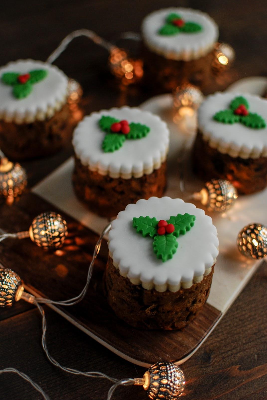 Fig And Pistachio Baked Bean Tin Christmas Cakes Recipe