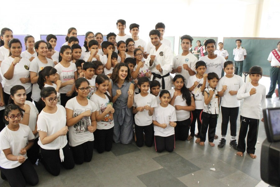 Taapsee Pannu revisits her Alma Mater in Delhi