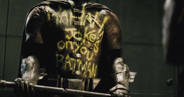 Robin lleva una década muerto en Batman v Superman
