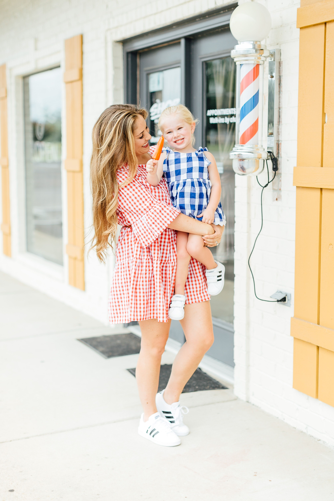Trend Spin Linkup - Red White and Blue Outfits for Labor Day by fashion blogger Walking in Memphis in High Heels
