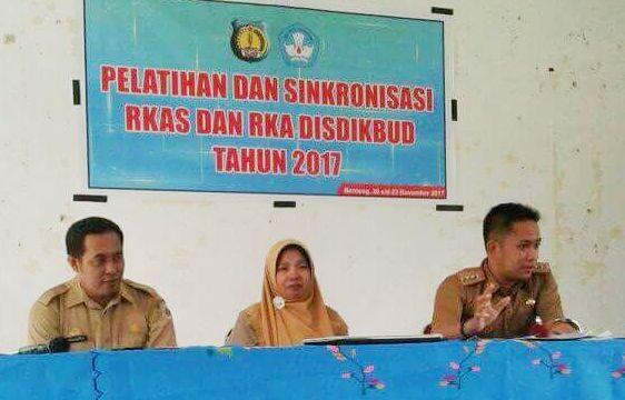 Disdikbud Selayar, Latih Pengelola Sekolah Susun RKAS