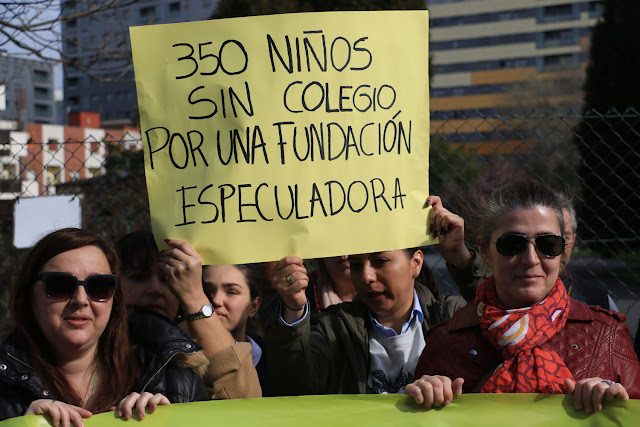 Protesta en el colegio La Milagrosa