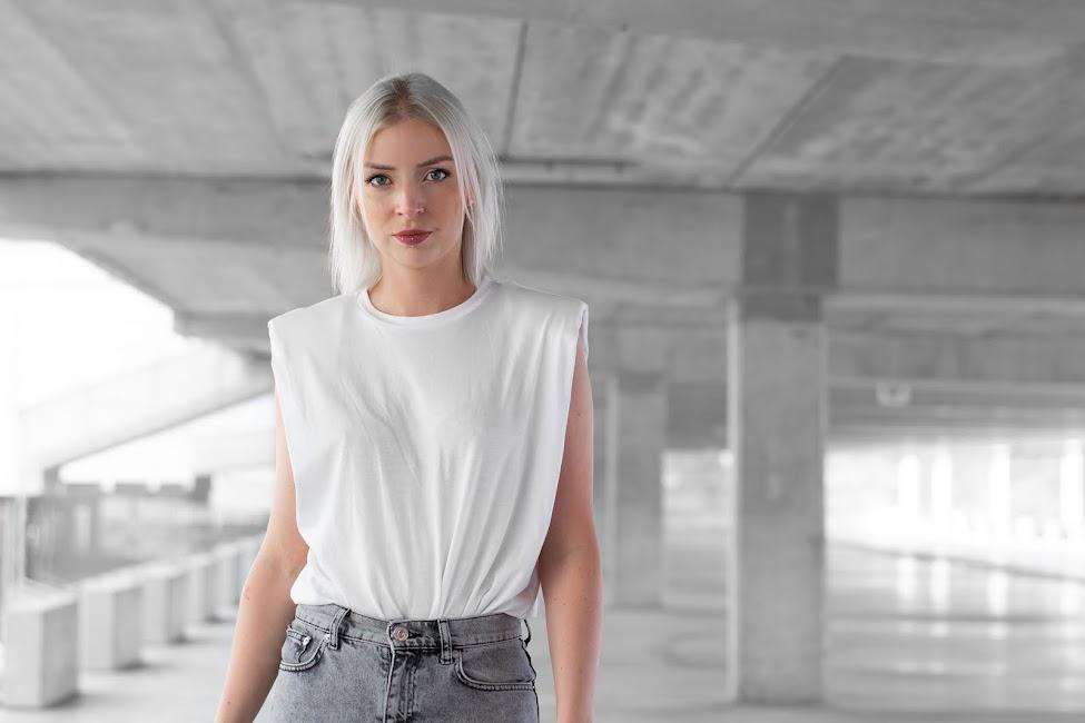 Teva, shoulder pads top, trend, street style, 2020, summer, outfit, minimal, onlybrands, etrias, webwinkel