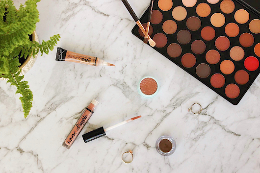 A BROKE GIRL'S GUIDE TO MAKEUP