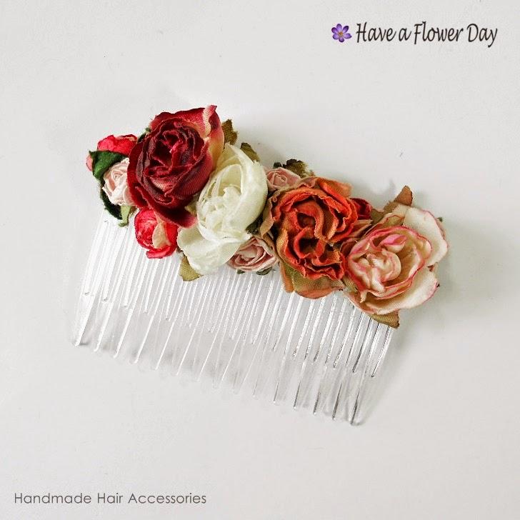 Peineta con flores rojas · Red flower comb