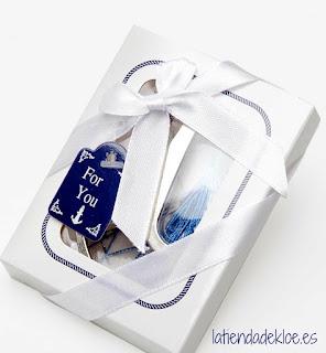 abridor de botellas presentado en caja de regalo como obsequio para los invitados de boda