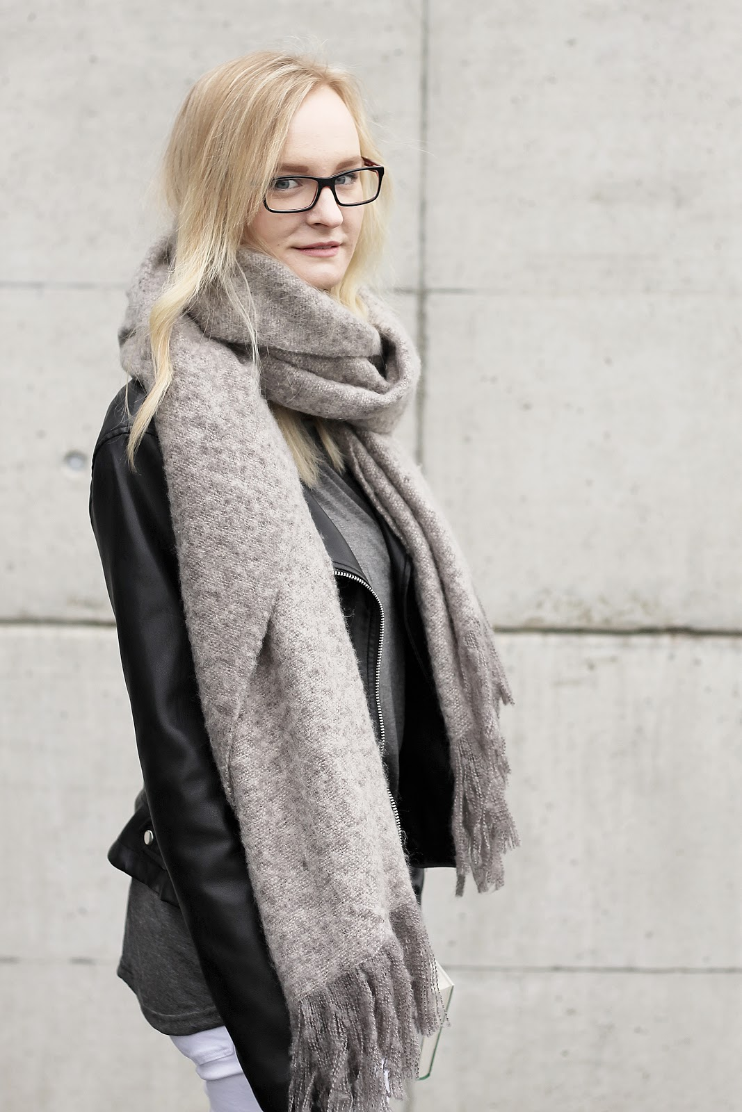 grey big scarf