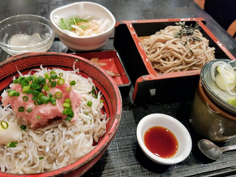 鐮倉的第一餐-吻仔魚丼飯