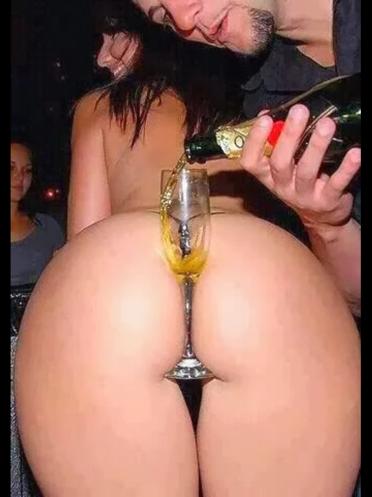 Champagne ass