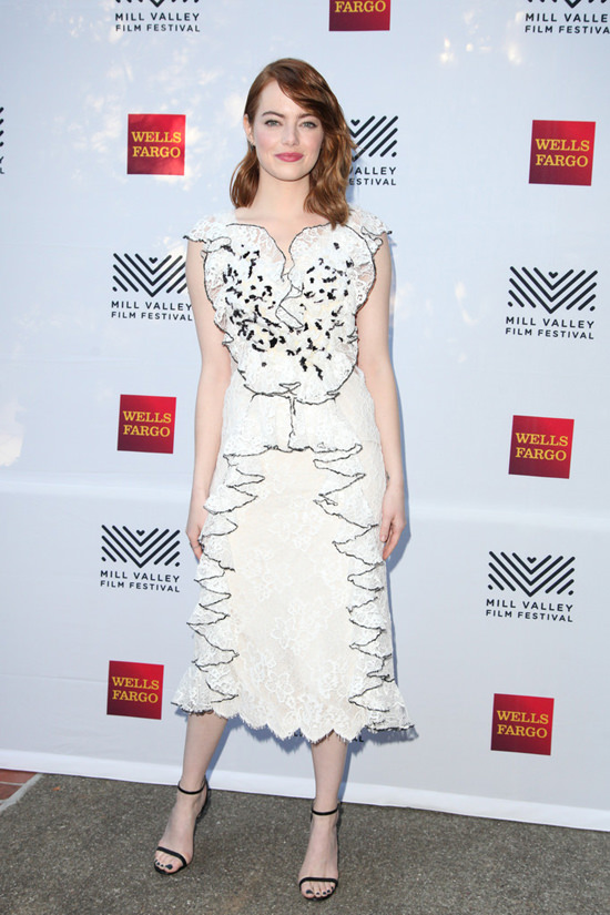 Best Dressed this week! Emma Stone Looks Stunning in White Lace Dress