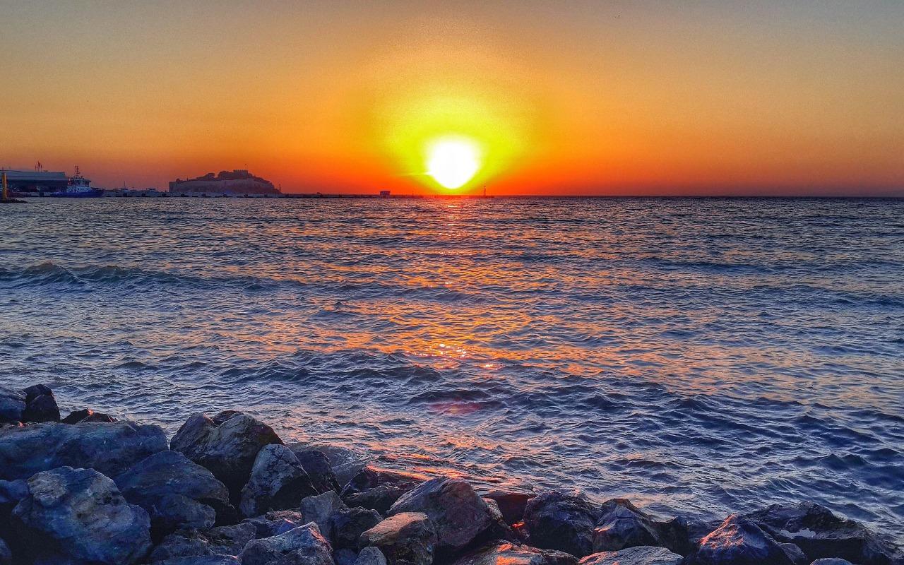 صور غروب الشمس 2020 خلفيات مناظر الغروب جميلة على البحر