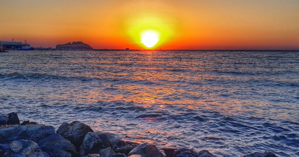 غروب الشمس تحت البحر صورة 2
