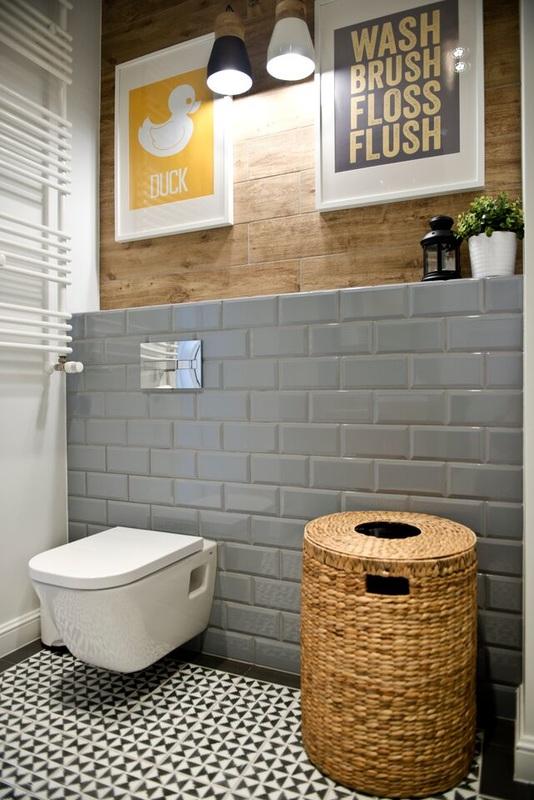 baño pared madera