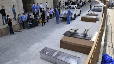 FOTO : Jenazah Korban Covid-19 Terlantar Di Jalanan Equador