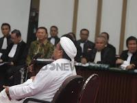 Lantang! Di Depan Majelis Hakim, Habieb Rizieq Minta Ahok Ditahan