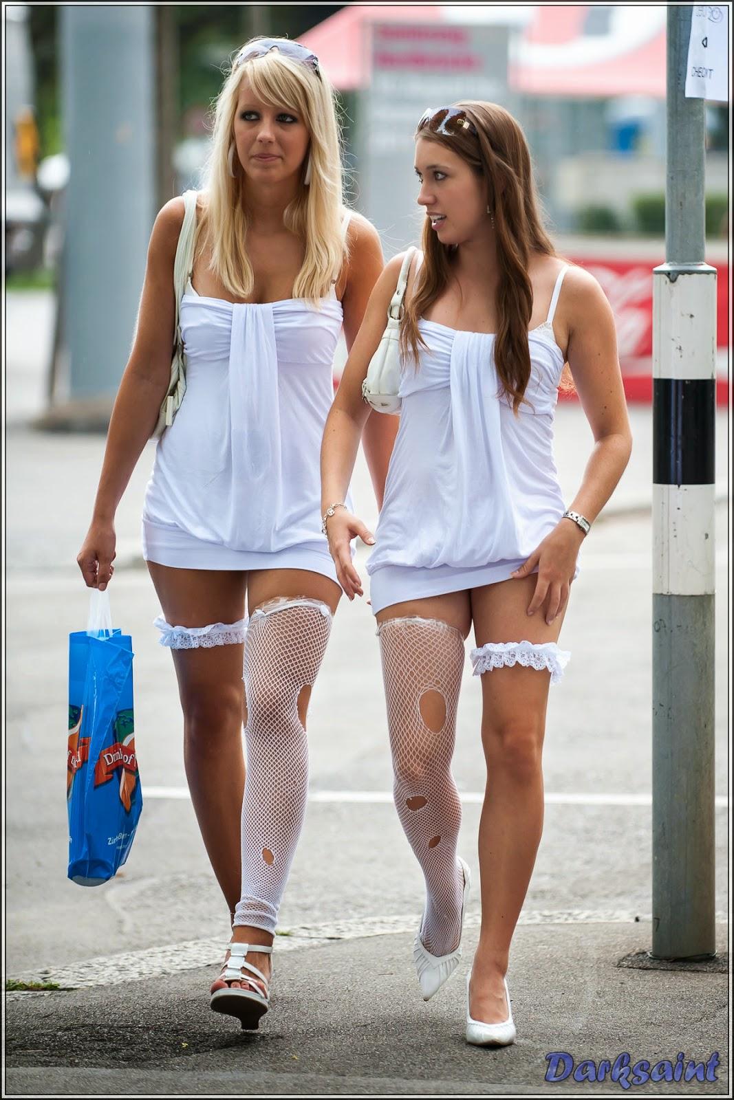 Esposas en minifalda