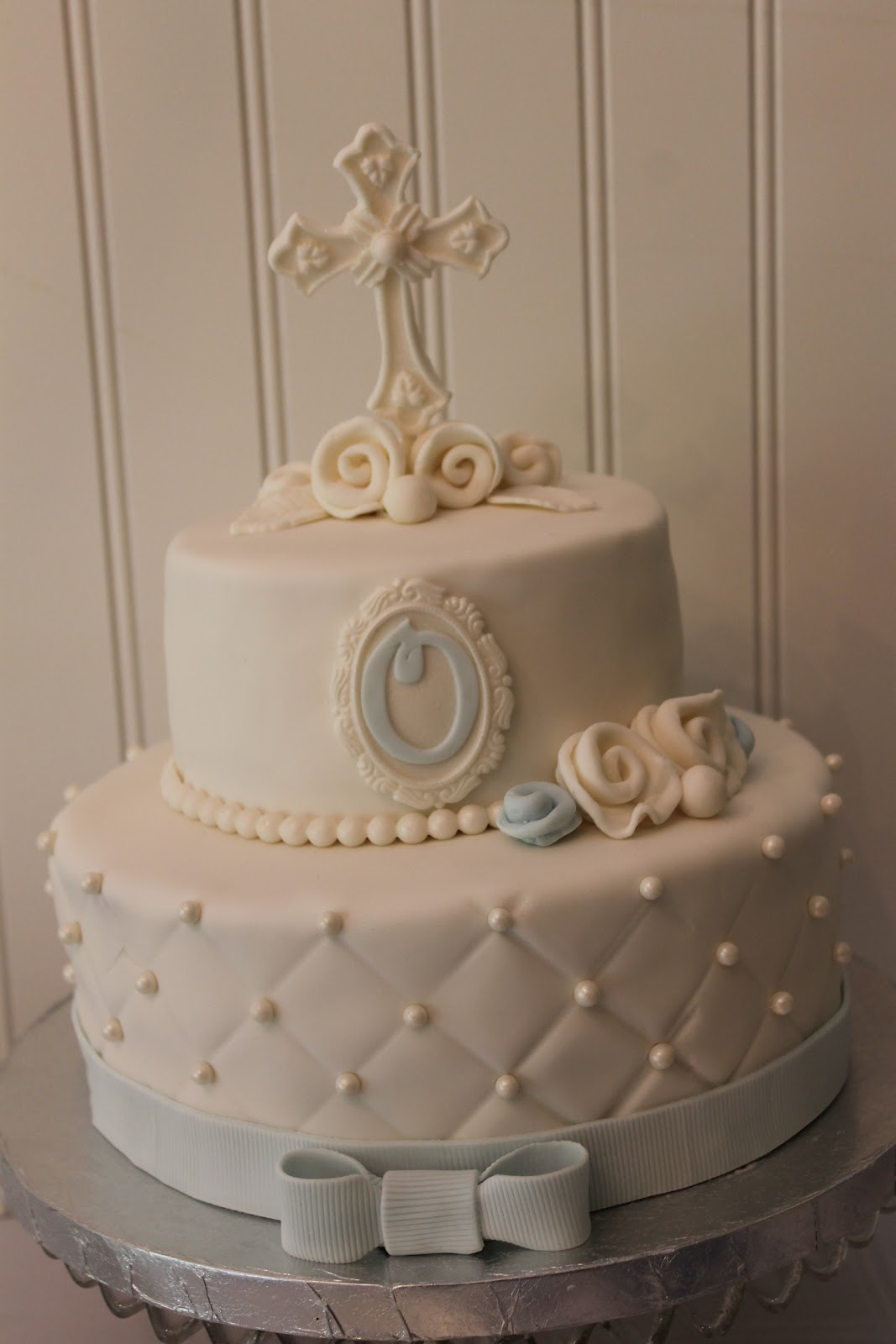 How To Decorate A Communion Cake