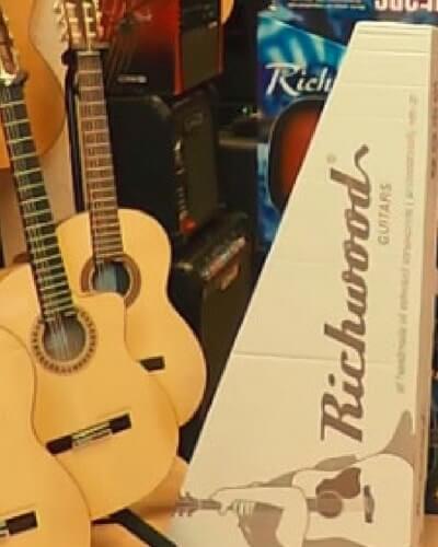 cajas de cartón para guitarras