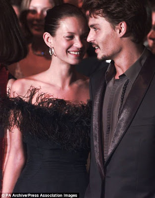 loving my jet lag kate and johnny the hottest couple