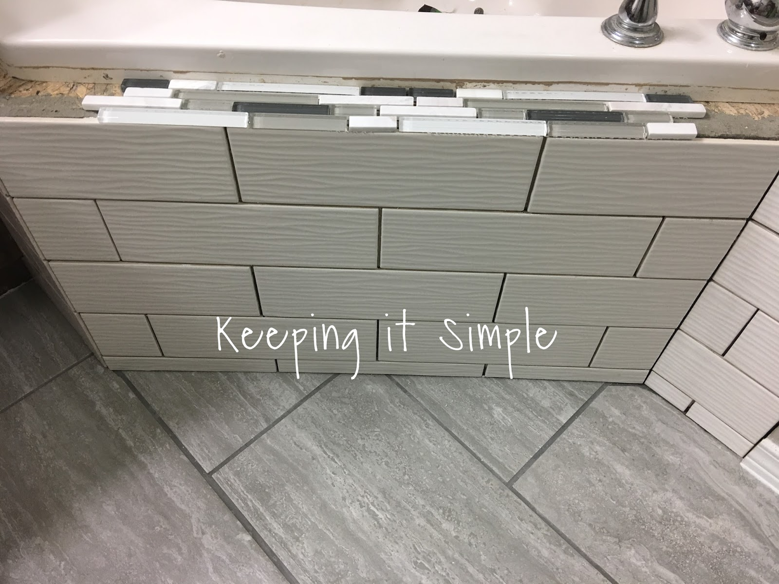 Tips On How To Tile A Corner Bathtub Using Wavecrest And Venatino
