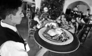 """Habló así el Secretario General de Gastronómicos de San Juan, demostrando una clara filiación justicialista en sus dichos y permitiéndose hacer notar una alineación en favor de la mega-minería o """"nueva minería"""" como llama el gobierno provincial a emprendimientos como el de Veladero. Y solo el sindicalista, en su exigua visión observa el deterioro de la actividad, olvidando que también está deteriorado el sector productivo e industrial de San Juan."""