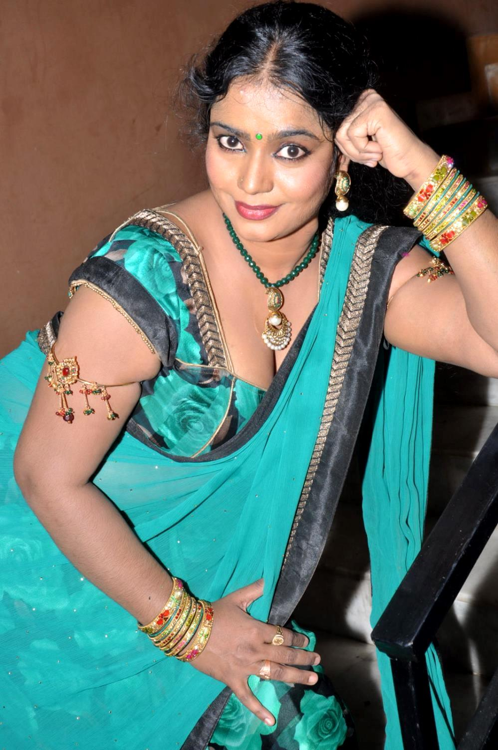 TamilCineStuff | : Supporting Actress Jayavani Hot stills ...