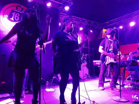 MIKE FARRIS crónica concierto 16 Toneladas, Valencia 3