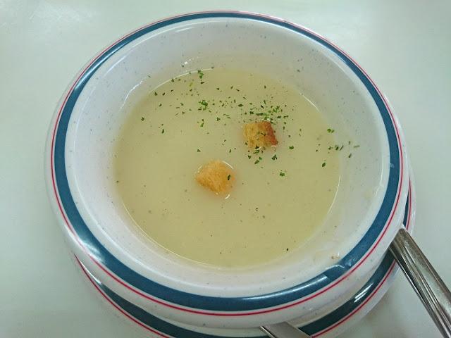 スペシャルランチのスープの写真