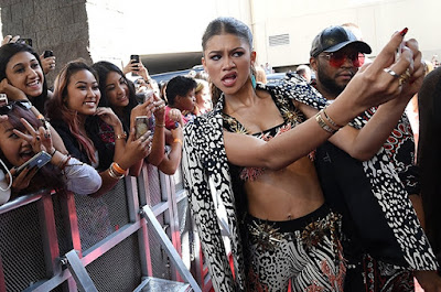 fashion-build-up-confidence-for-zendaya