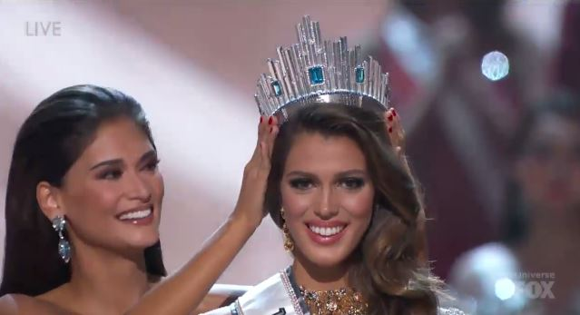 VIDEO: Miss France Iris Mittenaere crowned Miss Universe 2016