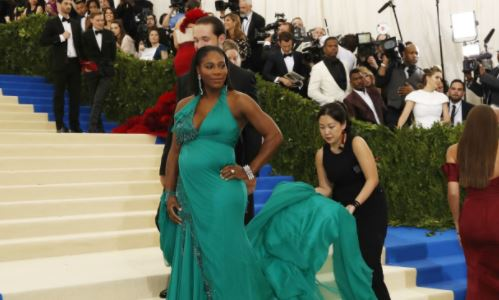 Serena Williams welcomes baby girl with fiancé Alexis Ohanian